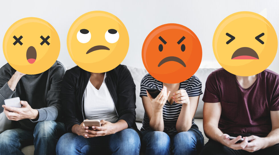 judgmental people on social media